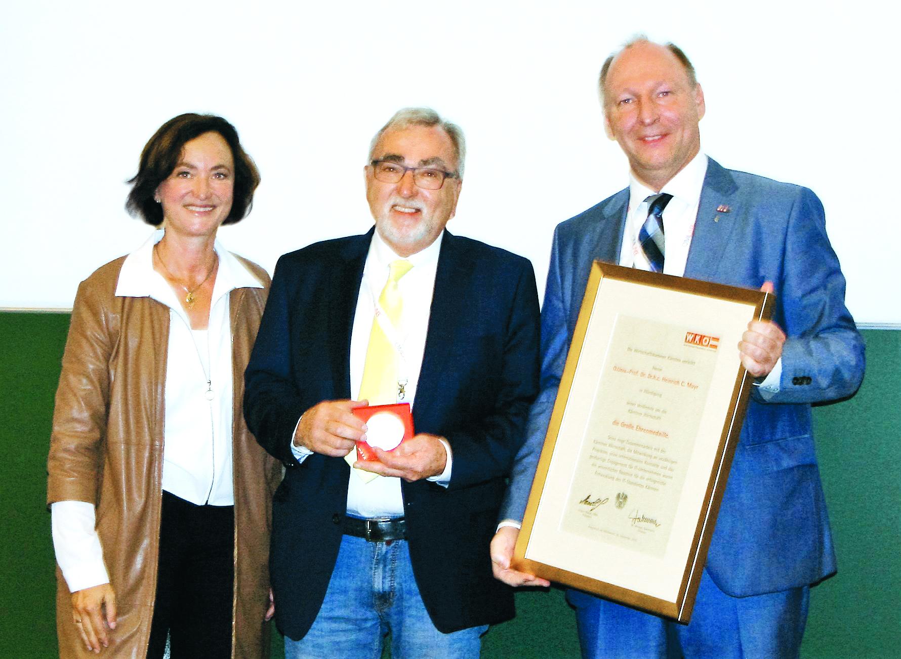 Ehrenmedaille für Heinrich C. Mayr